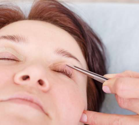 How to treat your droopy Eyelids?